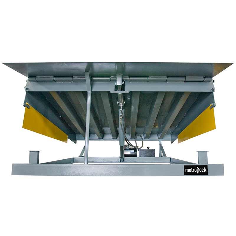 metro_dock_hydraulic_dock_leveler_front